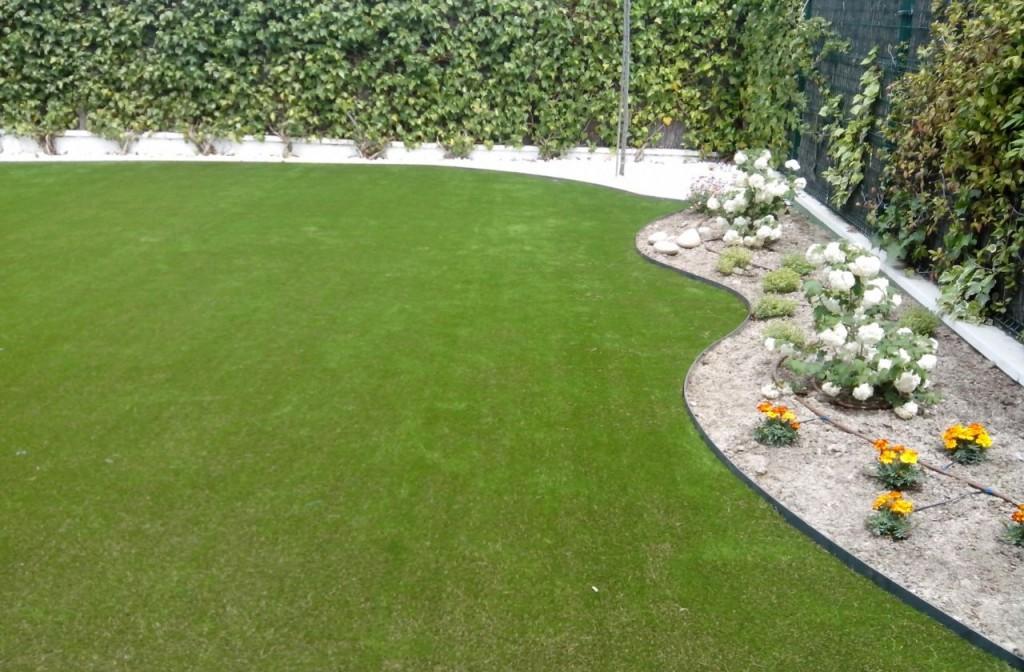 Instalación de Césped Artificial en jardín privado Las Rozas de Madrid