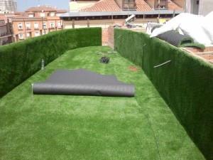 cesped-artificial-terraza-gymage-9