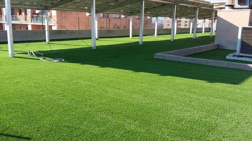 Instalaci n de c sped artificial para terrazas de sanitas - Cesped artificial para terrazas ...
